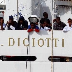 """Nave Diciotti a Catania per """"scalo tecnico"""""""