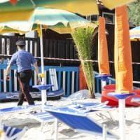 Omicidio in spiaggia a Nicotera, si è costituito il killer. Birra e sigaretta prima di...