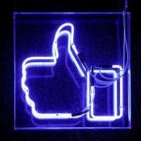Fake news, Facebook dà i voti agli utenti per misurarne la credibilità