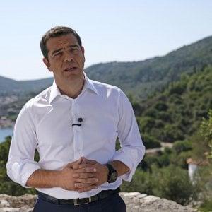 Tsipras-Ulisse festeggia l'uscita dal commissariamento: È finita la nostra Odissea
