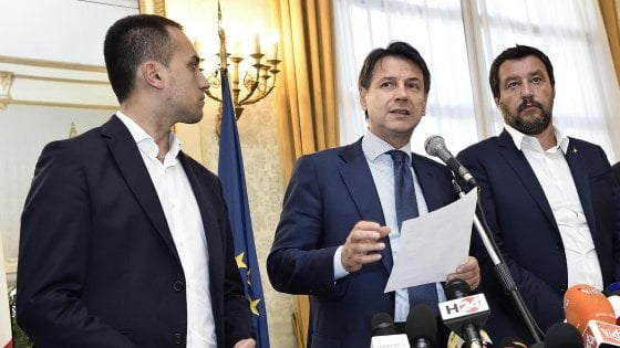 """Diciotti, fumata nera al vertice Ue. Di Maio e Salvini: """"Pronti a tagliare i 20 mld"""". Martina: """"Governo porta Paese sul baratro"""""""