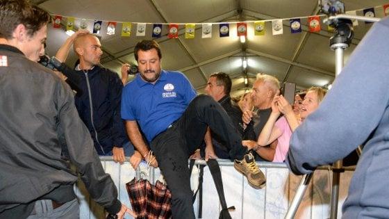 """Diciotti, Salvini: """"Mi arrestino pure, ne sono fiero"""". Lascia il presidente dell'Aifa: """"La salute va garantita"""""""