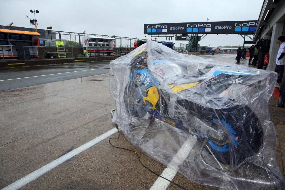 Silverstone, l'inutile attesa: annullate la MotoGp e le altre gare