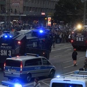 Germania, neonazisti scatenati: caccia allo straniero