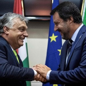"""Asse sovranista tra Salvini e Orban: """"Fermare l'immigrazione è possibile"""""""