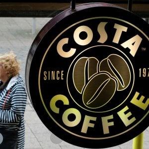 La guerra del caffè. Coca Cola sfida Starbucks: compra Costa per 5,1 miliardi