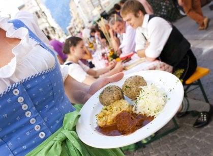 Alla festa dei canederli: un piatto nato povero che fa felice tutti