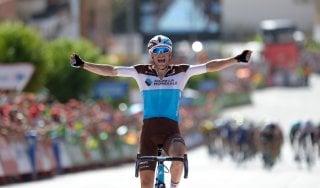 Ciclismo, Vuelta: assolo di Gallopin, Molard resta in rosso. Aru tiene bene