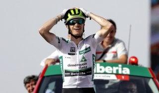 Ciclismo, Vuelta: King re della salita, Simon Yates leader, Aru dietro ma ancora spera