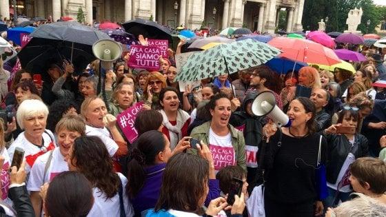 Casa delle donne, la battaglia contro la chiusura arriva all'Europarlamento