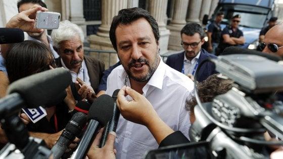 """Libia, Conte e Salvini: """"No a interventi militari"""". Il ministro dell'Interno: """"C'è dietro qualcuno"""". E attacca la Francia"""