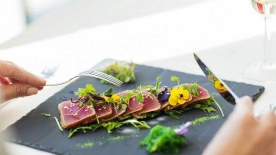 Mangiare in uno stellato senza rischiare un salasso? In questi 50 ristoranti si può (a partire da 2 dollari!)