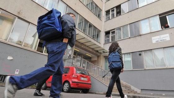 Scuola, Bussetti: subito 7 miliardi per mettere a norma gli edifici