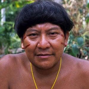 """""""La caduta del cielo"""": il primo libro della tribù amazzonica yanomami"""