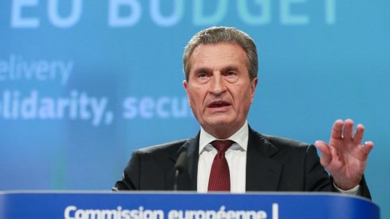 Oettinger: governo italiano vuole distruggere progetto europeo