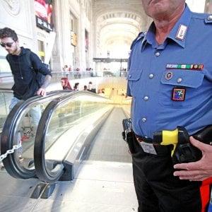 Agenti con il taser, esperimento al via da oggi in dodici città