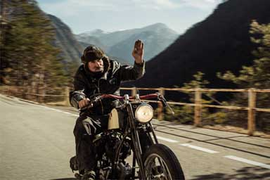 Dalla Carnia a Samarcanda in sella a una Harley del 1939