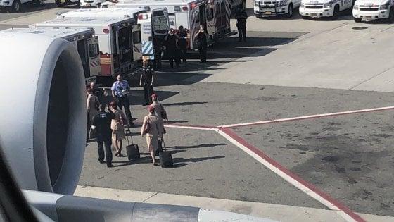 Cento passeggeri in quarantena su un volo Dubai-New York