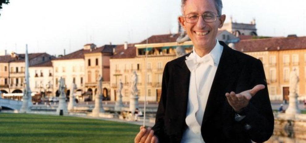 Addio a Claudio Scimone, direttore e fondatore dei Solisti Veneti