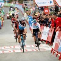 Ciclismo, Vuelta: tappa a Geniez, ma è polemica sulla sicurezza. Herrada in rosso, Nibali in crescita