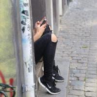 """Figli su Instagram, l'abc per i genitori: """"Non controllateli troppo, partecipate"""""""