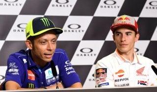 Motogp, Rossi non stringe la mano a Marquez: ''Pace? Io sto bene così''