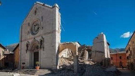 """""""Ricostruite la Basilica di Norcia dov'era e com'era"""": l'appello di un comitato di cittadini"""