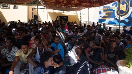 """Libia, denuncia Unhcr: """"A Tripoli donne e bambini torturati"""""""