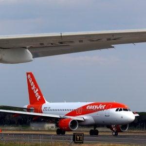 Minori in volo con un solo genitore: il pasticcio di EasyJet