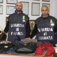 42b9d015cd Vestiti con false griffe sequestrati e donati ai bisognosi
