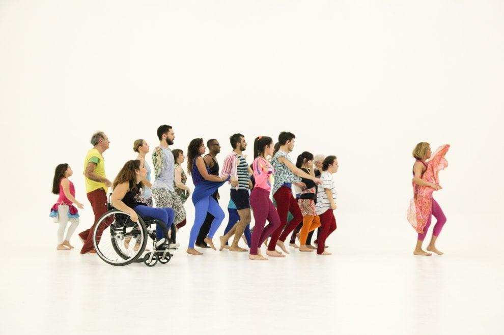 Gala di Jérome Bel  è l'elogio della diversità a passi di danza