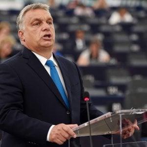 """Orbán all'Europarlamento: """"Non accettiamo minacce e ricatti. Non saremo patria di immigrazione"""""""