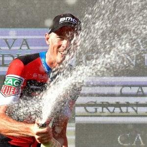 Ciclismo, Vuelta: Dennis domina la crono. Yates guadagna su Valverde, male Quintana