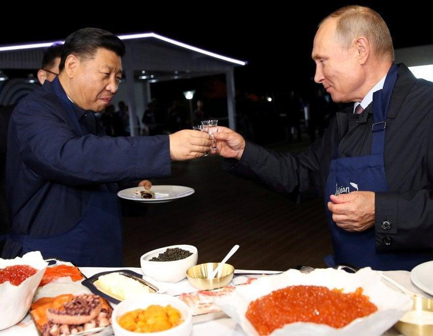 Cina-Russia, tra Xi e Putin torna la diplomazia delle frittelle