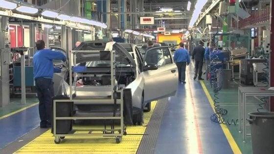Giù la produzione industriale, primo calo dal 2016