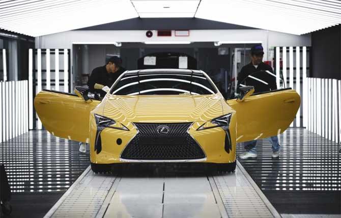 Yellow Edition, Lexus rilancia la LC Hybrid