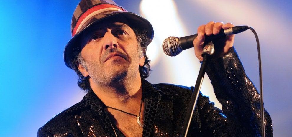 È morto il cantante e attivista algerino Rachid Taha, protagonista della scena rock francese