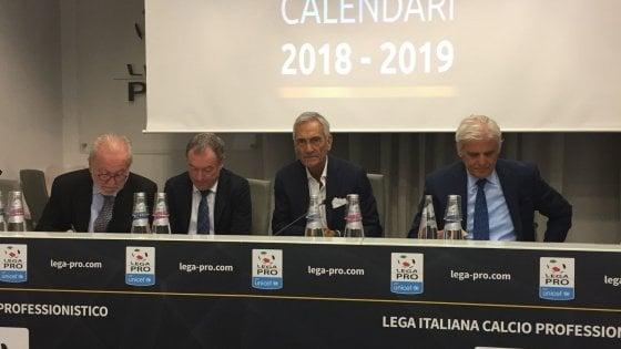 Calendario Lega Pro Girone B Orari.Serie C Ecco I Calendari Per La Juve B Subito Derby Con L
