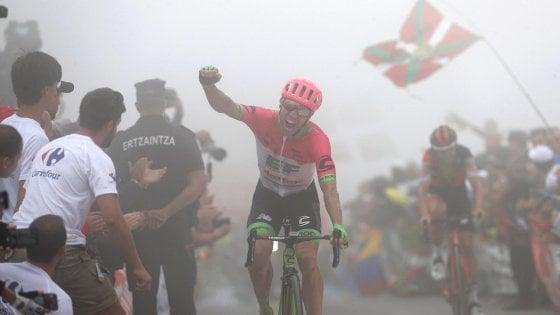 Vuelta 2018: brutta caduta per Aru, Mondiale a rischio