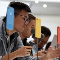 Apple, così iPhone e Watch cambiano la nostra vita. Ma a caro prezzo