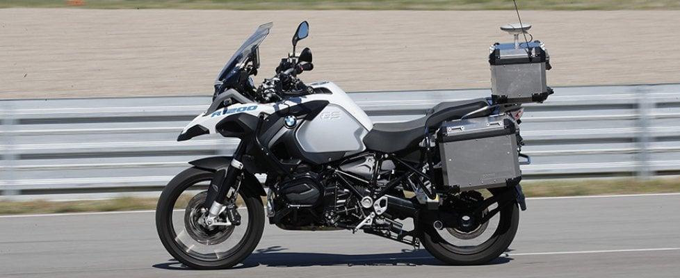 bmw ecco la moto a guida autonoma lampeggio forum moto entra nel forum di. Black Bedroom Furniture Sets. Home Design Ideas