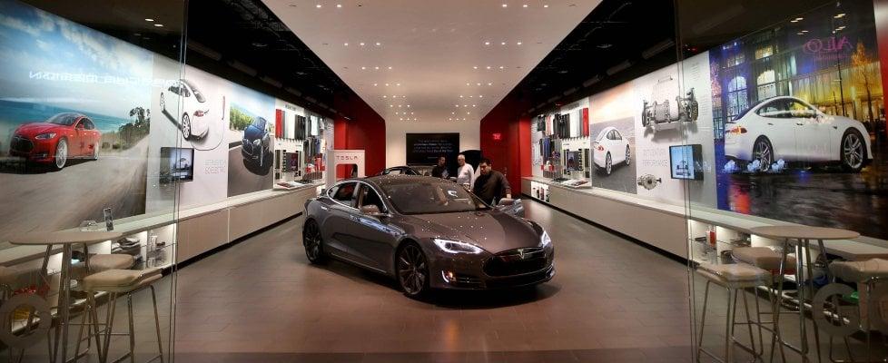 Bug nel software del sistema di accensione di Tesla e McLaren