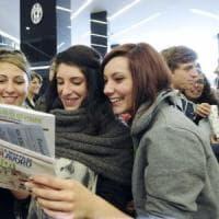 Otto giovani italiani su 10 sentono la disuguaglianza: un Paese con l'ascensore
