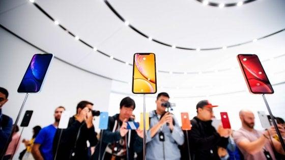 A tu per tu con i nuovi iPhone XS, XR e Watch Series 4: Apple cala gli assi d'oro di Natale