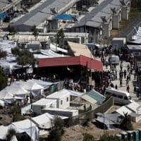 Migranti, la Ue pronta a svuotare i campi greci in vista dell'offensiva di Assad su Idlib