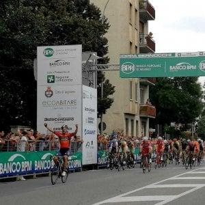 Ciclismo, coppa Bernocchi: c'è il bis di Colbrelli