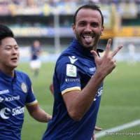 Serie B: Pazzini trascina il Verona, tris Salernitana e colpo del Palermo