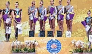 Ginnastica, Mondiali ritmica: le farfalle azzurre vincono l'oro. Bronzo nei 5 cerchi
