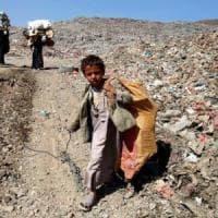 Yemen, un milioni di bambini a rischio, due milioni fuori dalla scuola