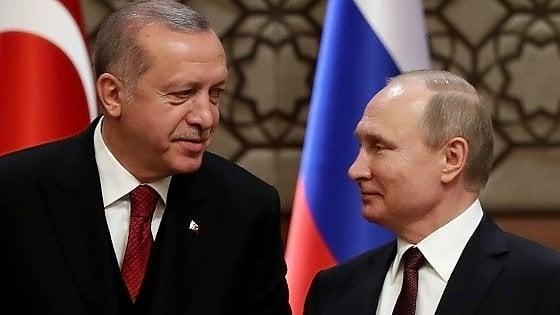 Siria, Erdogan vola da Putin per scongiurare l'offensiva su Idlib